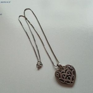 James Avery Heart pendant on 18in chain Necklace